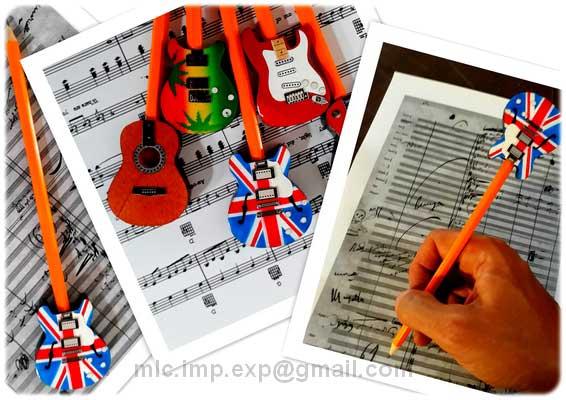 decorazione-natale--forma-chitarra